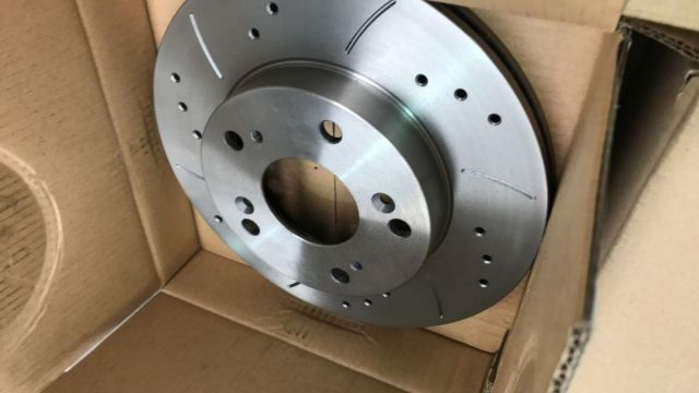 MTEC drilled and grooved discs and pads